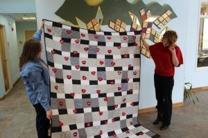 belknap-mill-quilters-guild-quilt-donations-012